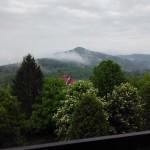 Вид на горы с 4-го этажа отеля Эдельвейс в Яремче.